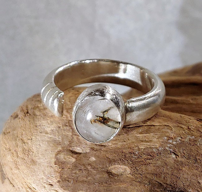 Heavy textured band ring with Rutilated quartz