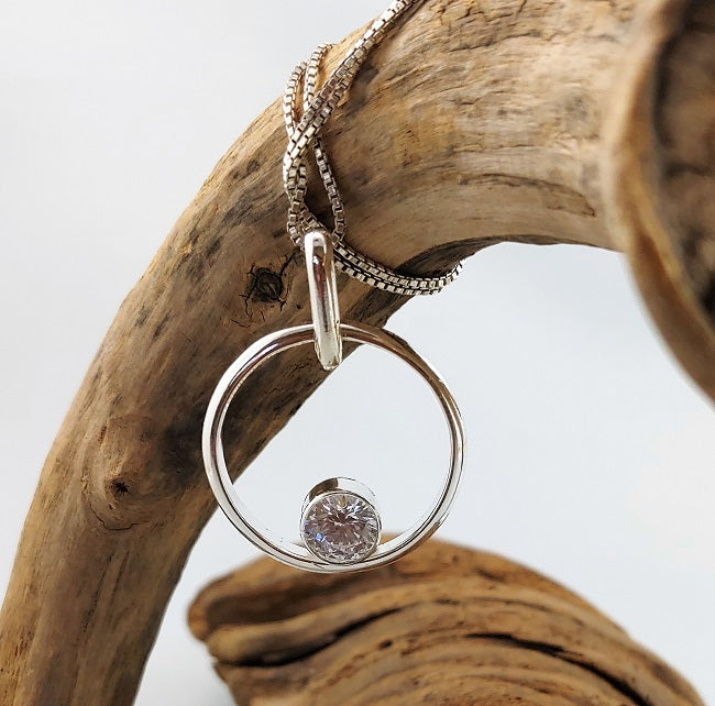 Modern Circle pendant - 7mm CZ