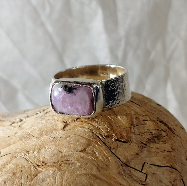 Charoite textured band ring