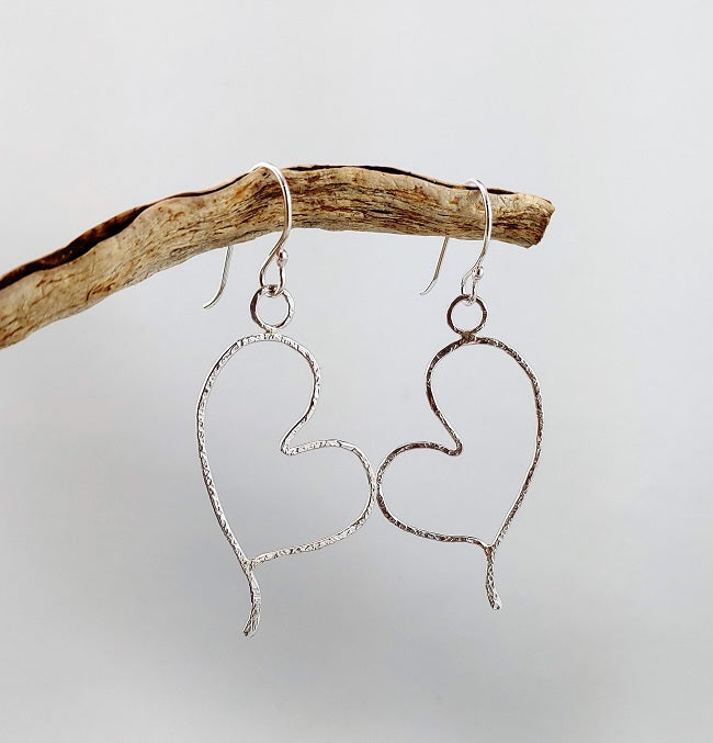 Hammered silver wire heart earrings