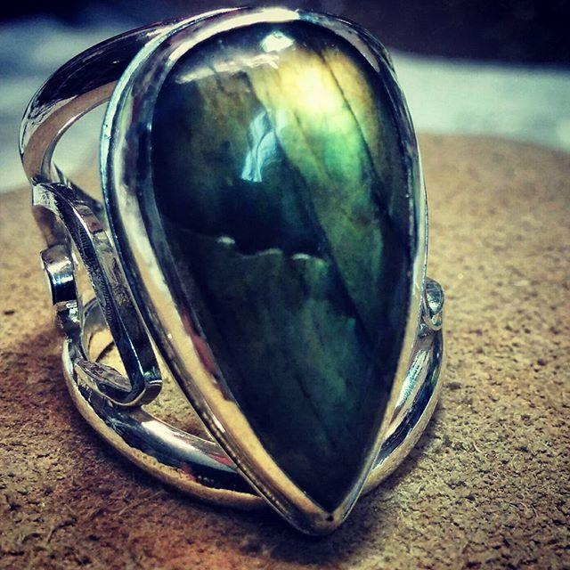 Filigree ring with Canadian Labradorite Stone - Custom Design
