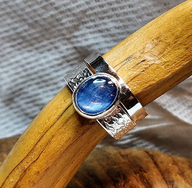Silver stacking ring with Kyanite