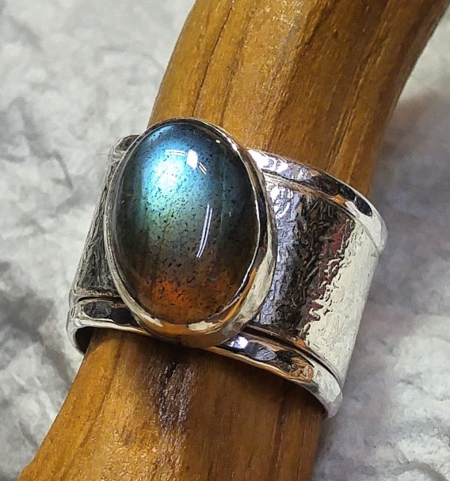 Stacking ring with multicolored Canadian Labradorite