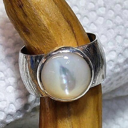 Wide band sterling ring with Mother of Pearl