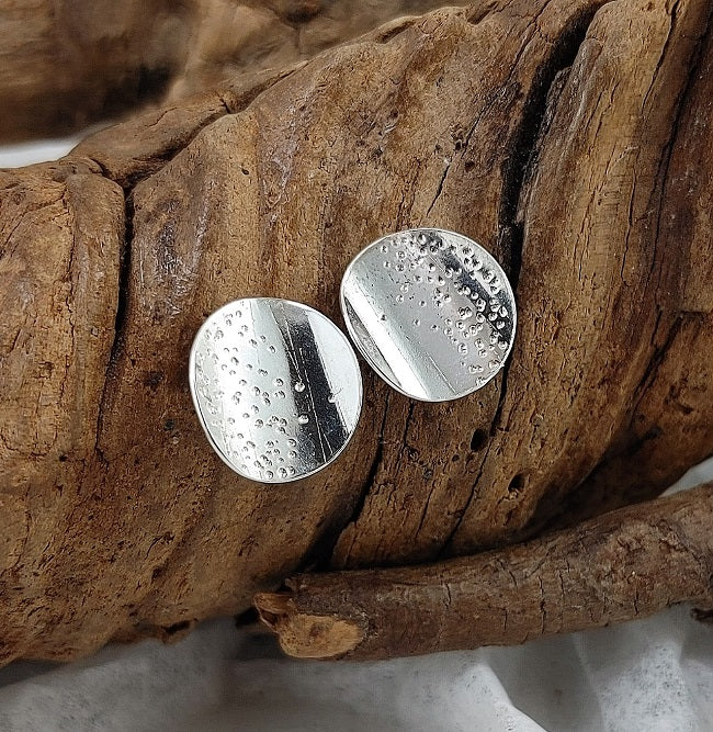Curved textured silver disc studs - 12 mm