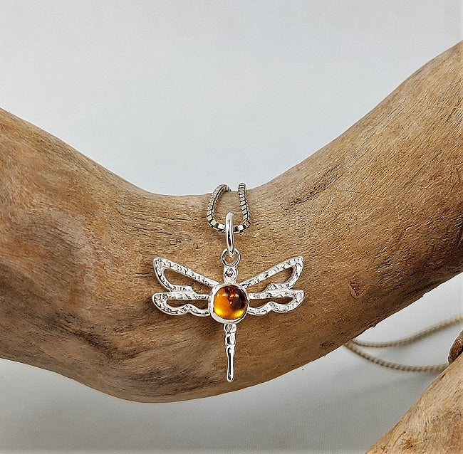 Dragonfly pendant 4mm citrine