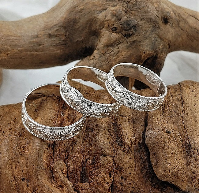 Heart band rings - 5mm wide