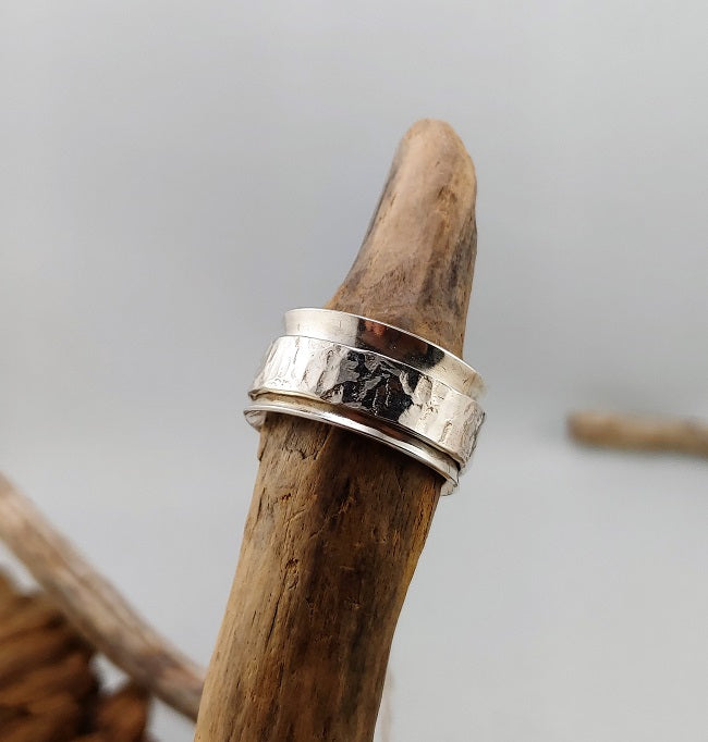 Meditation ring - Silver on silver