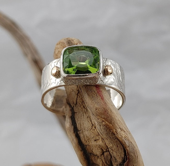 Peridot band ring - Silver & 10k Gold