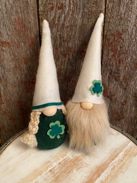 Shamrock Gnome Couple