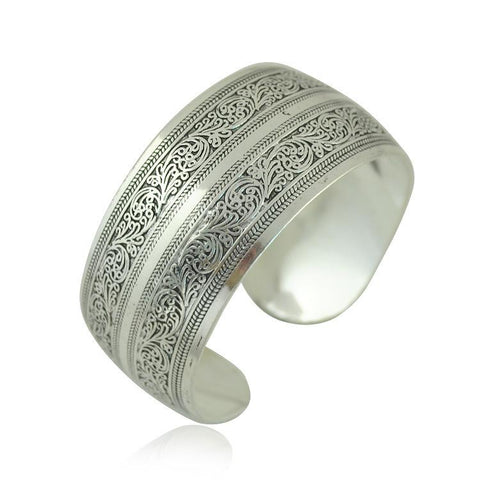 Carved Silver Vintage Cuff - Cowgirl Vibes