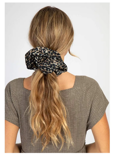 Super Leopard Scrunchie