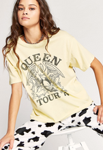 Load image into Gallery viewer, Queen Tour '75 Boyfriend Tee