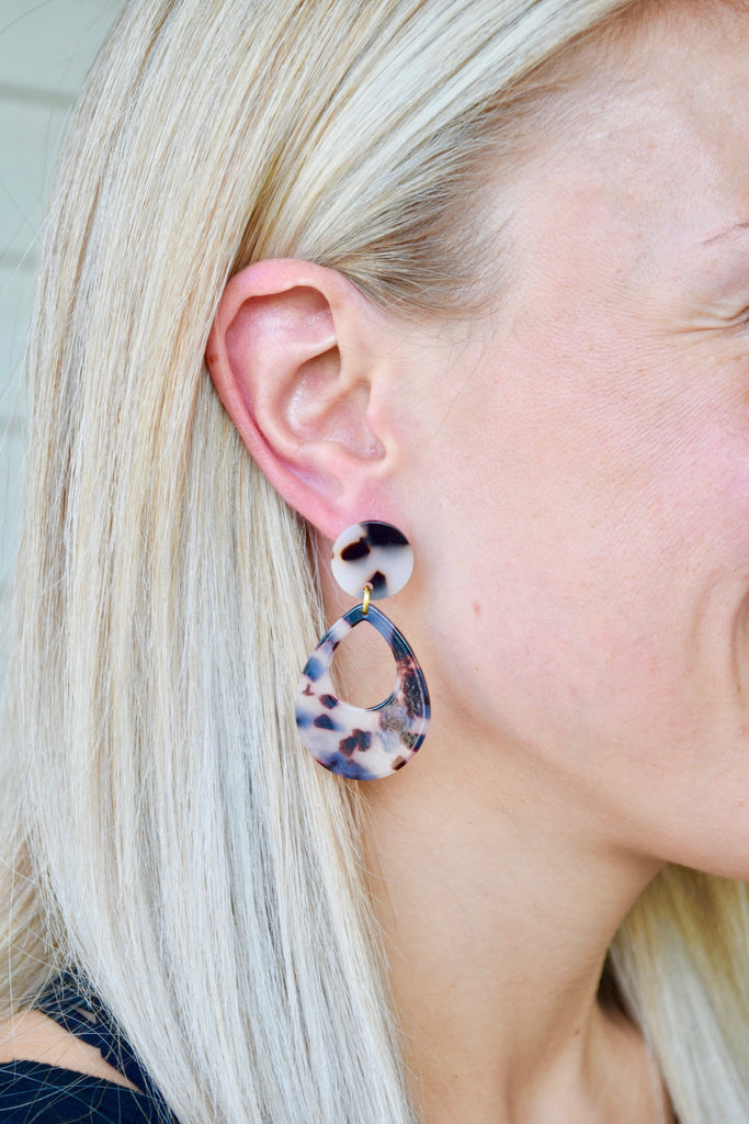 Hallie - resin earring
