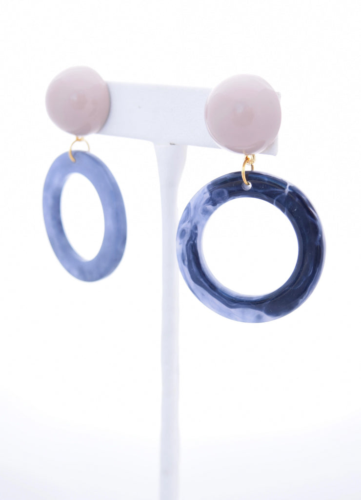 Ashley Blue Circle Resin Pendant and Tan Stud