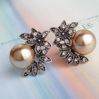 Pearl Flower Ear Rings