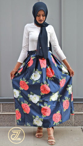 White Roses, Red Roses Print Pleated Skirt - Navy Blue