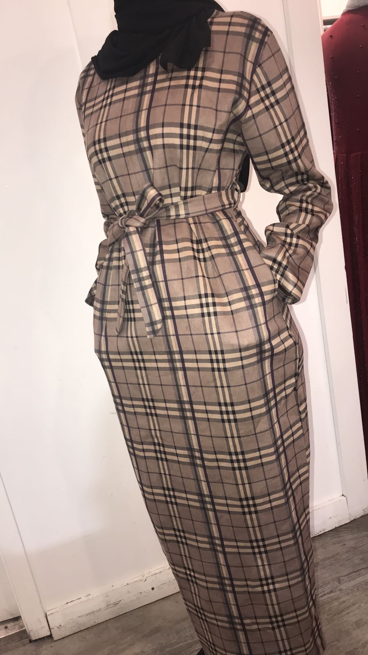 Plaid Dress (Beige/Black) - ZIZI Boutique