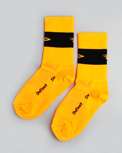 "Defeet -Aireator 5"" Team DeFeet (Hi-Vis Orange w/Black Stripe) Socks"