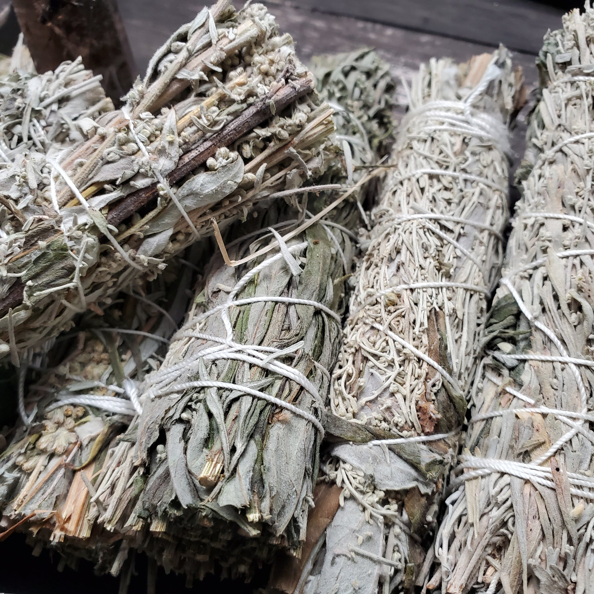 "4"" Mountain Sage & Flowering Mugwort Smudge Bundles"