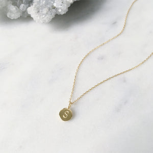 SHAZOEY gold initial necklace with cable chain