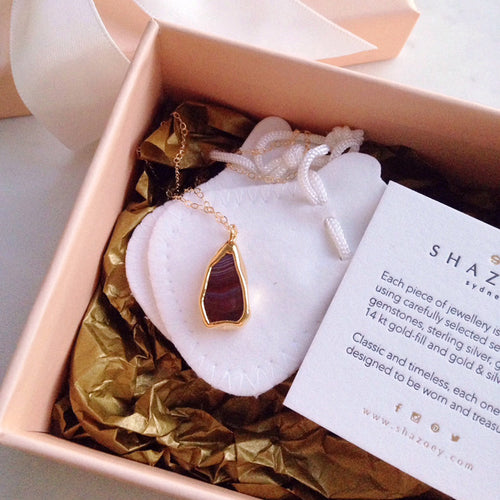 Australian Agate Necklace . Gold