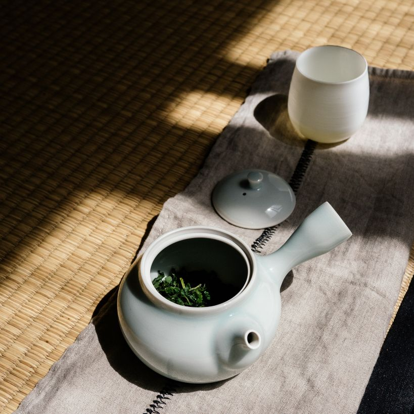 Kyusu with green tea
