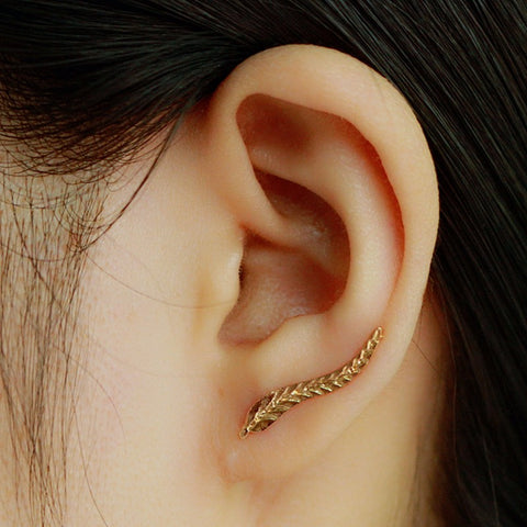 Vintage Exquisite Gold Modern Beautiful Feather Stud Earrings
