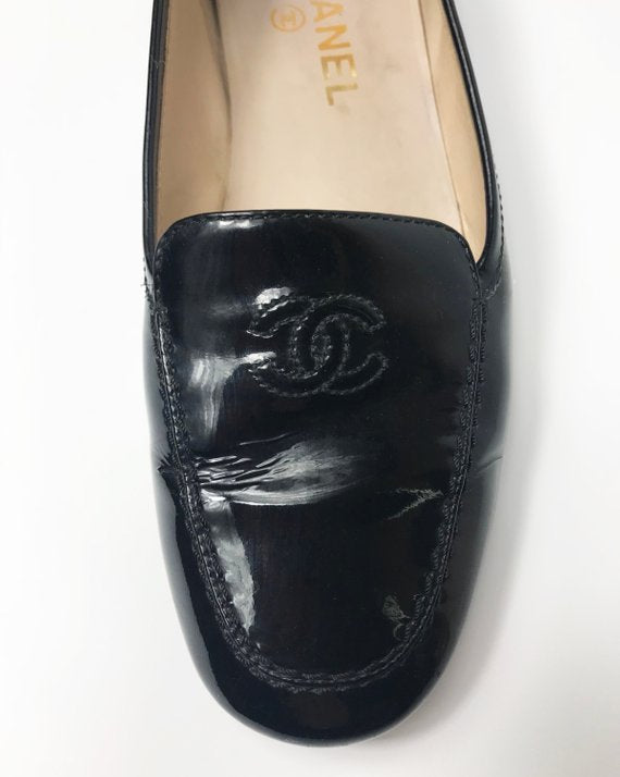 Fruit Vintage Chanel patent leather logo monogram top stitch 1990s loafer