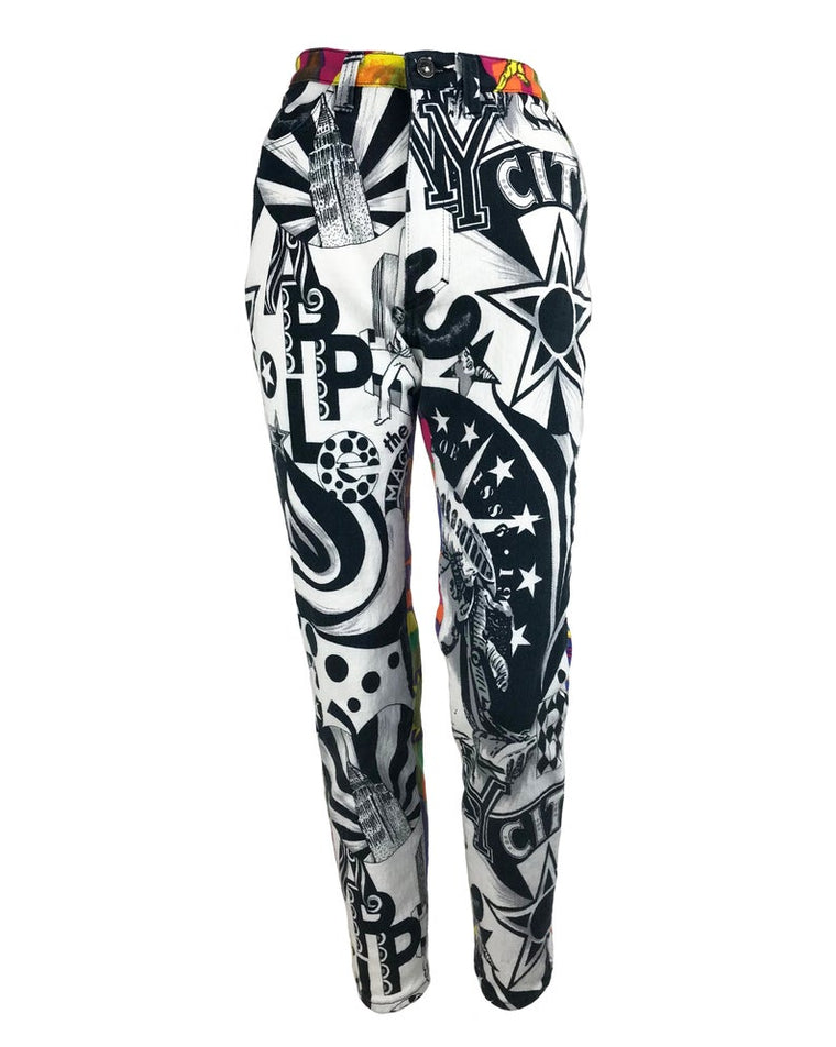 FRUIT Vintage Versace Jeans Couture 'Manhattan New York City' Print Jeans Pants by Gianni Versace piece from the 1990s.