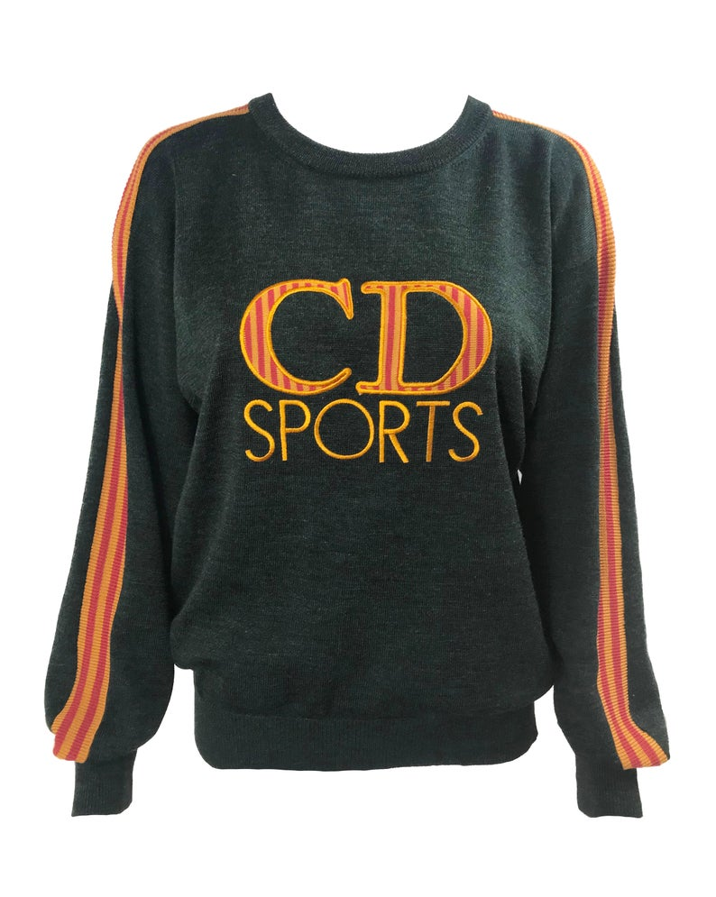 Fruit Vintage Christian Dior Sport CD sweat shirt from the 1980s. It features an large embroidered CD logo at front and ribbed fabric