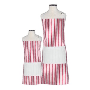 There is nothing cuter than your mini me dressing up just like you!  The Mom and Me or Big Sister and Me Apron Set is Irresistable.