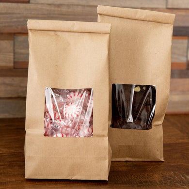 Don't let stains on the package ruin your presentation! These plastic lined bags are grease proof so you won't see oil or butter stains bleed through.