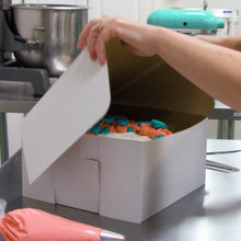 Classic, solid white, sturdy bakery boxes protect your desserts, pastries, pies, cookies, and doughnuts.