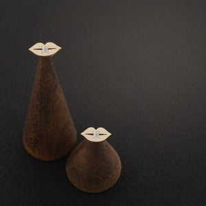 LIP STUD EARRINGS