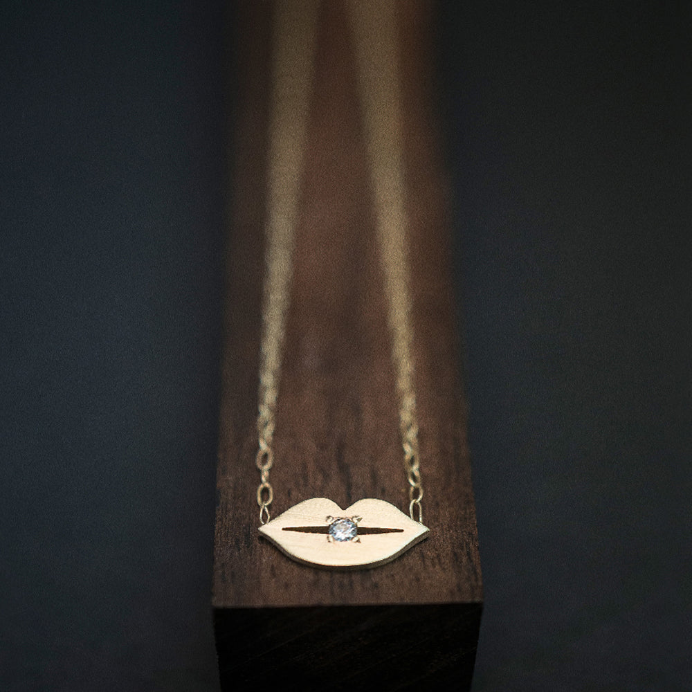 Lip Necklace