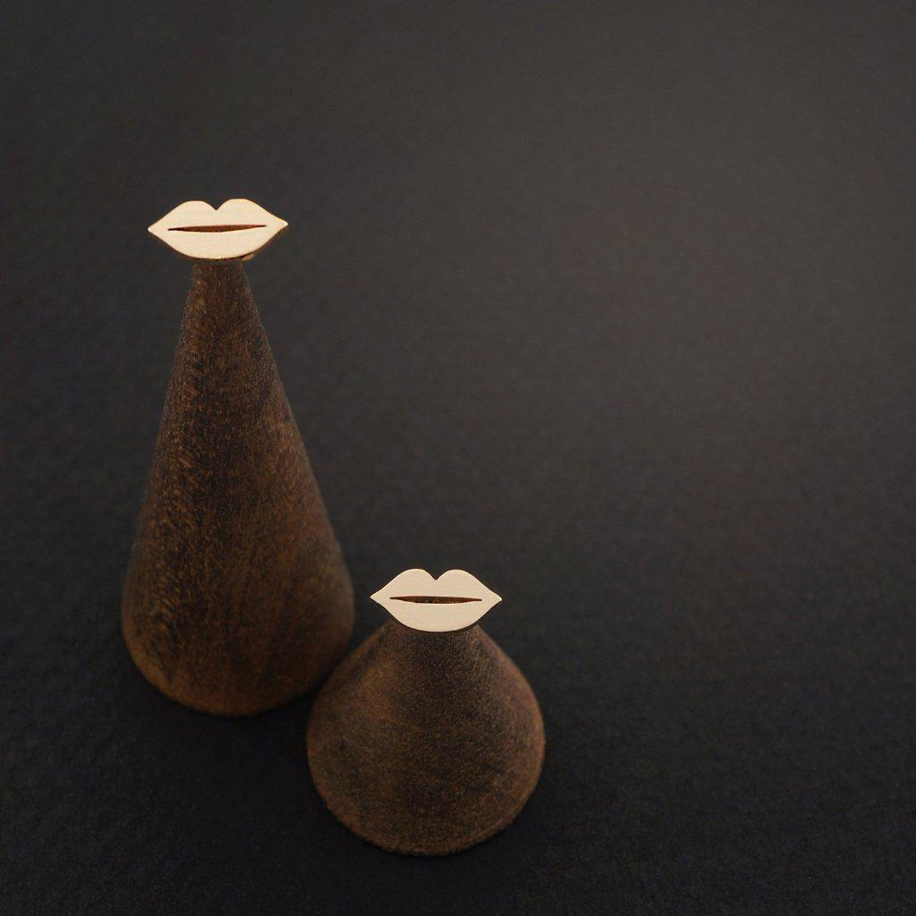 LIP STUD EARRINGS-AF HOUSE