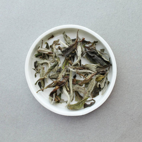 Aged White Peony loose leaf tea by Leaves & Flowers