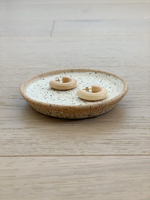 Creamy Speckle Dish by Hannah Garvin