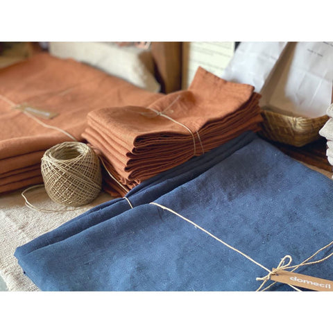 Rust and Navy Linens by Domecíl