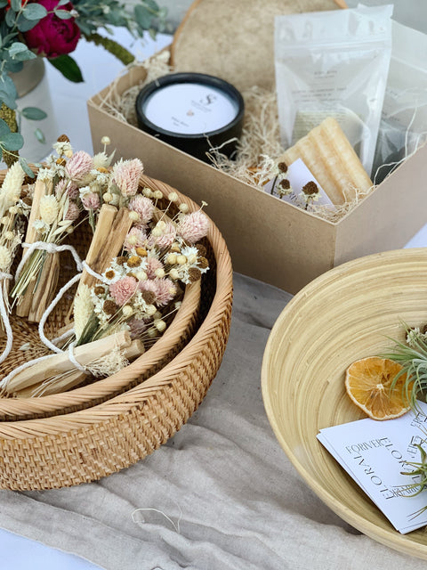 Dried floral bundle with palo santo