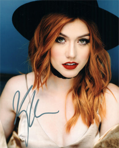 Kat McNamara Signed Autograph Arrow 8x10 Photo - Outlaw Hobbies Authentic Autographs