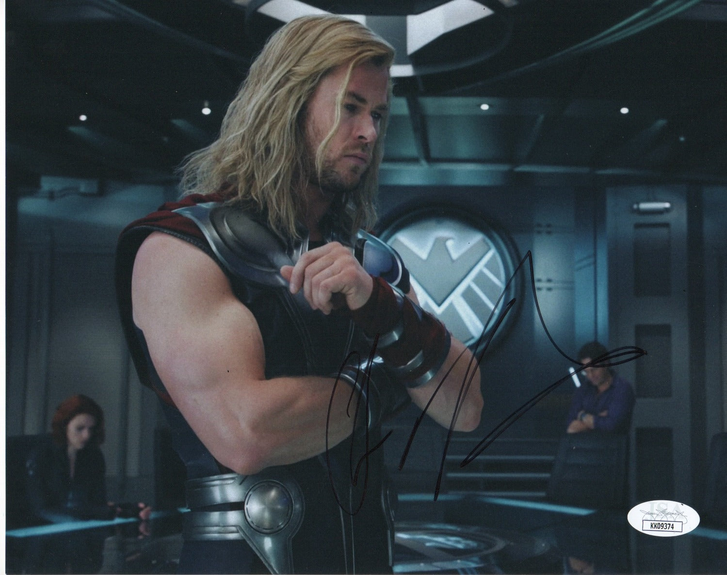 Chris Hemsworth Avengers Thor Signed Autograph 8x10 Photo JSA