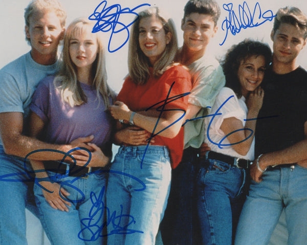 90210 Jenne Garth Ian Ziering Tori Spelling Brian Austin Green Shannen Doherty Signed Autograph 8x10 Photo COA - Outlaw Hobbies Authentic Autographs