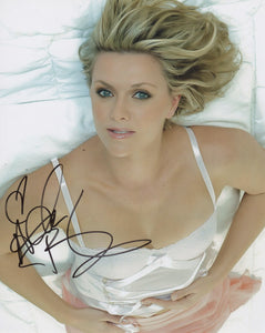 Amanda Tapping Sexy Signed Autograph 8x10 Photo - Outlaw Hobbies Authentic Autographs