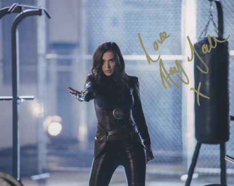 Amy Jackson Supergirl Signed Autograph 8x10 Photo - Outlaw Hobbies Authentic Autographs
