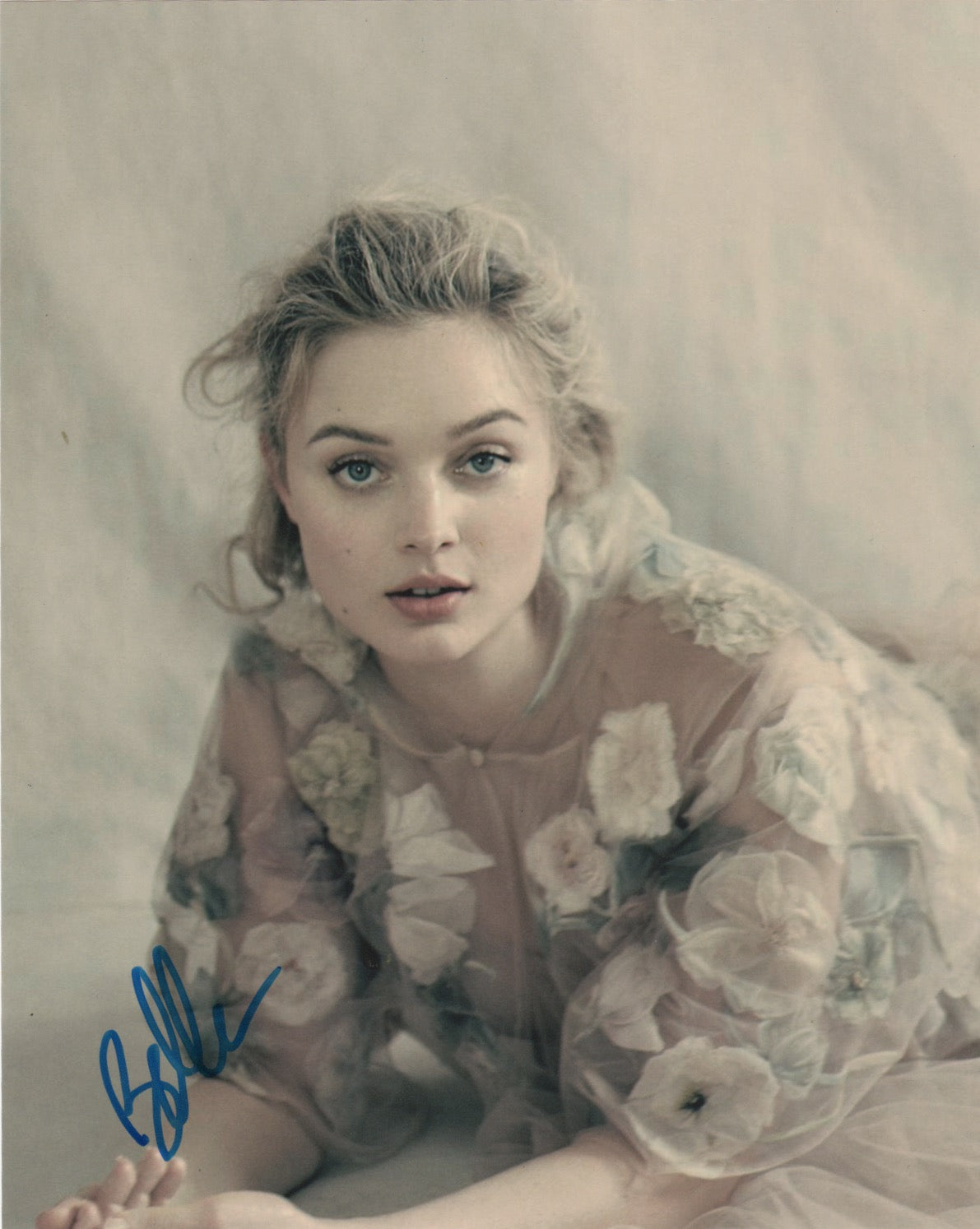 Bella Heathcote Sexy Signed Autograph 8x10 Photo - Outlaw Hobbies Authentic Autographs