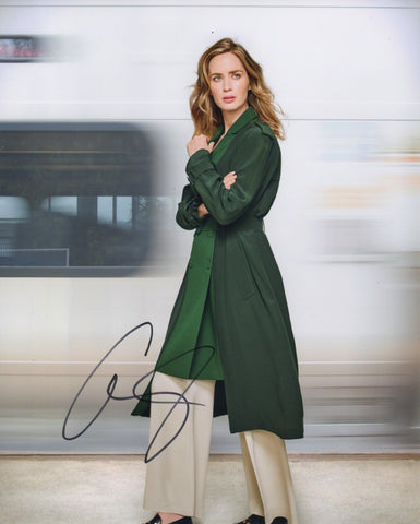 Emily Blunt Girl on the Train Signed Autograph 8x10 Photo