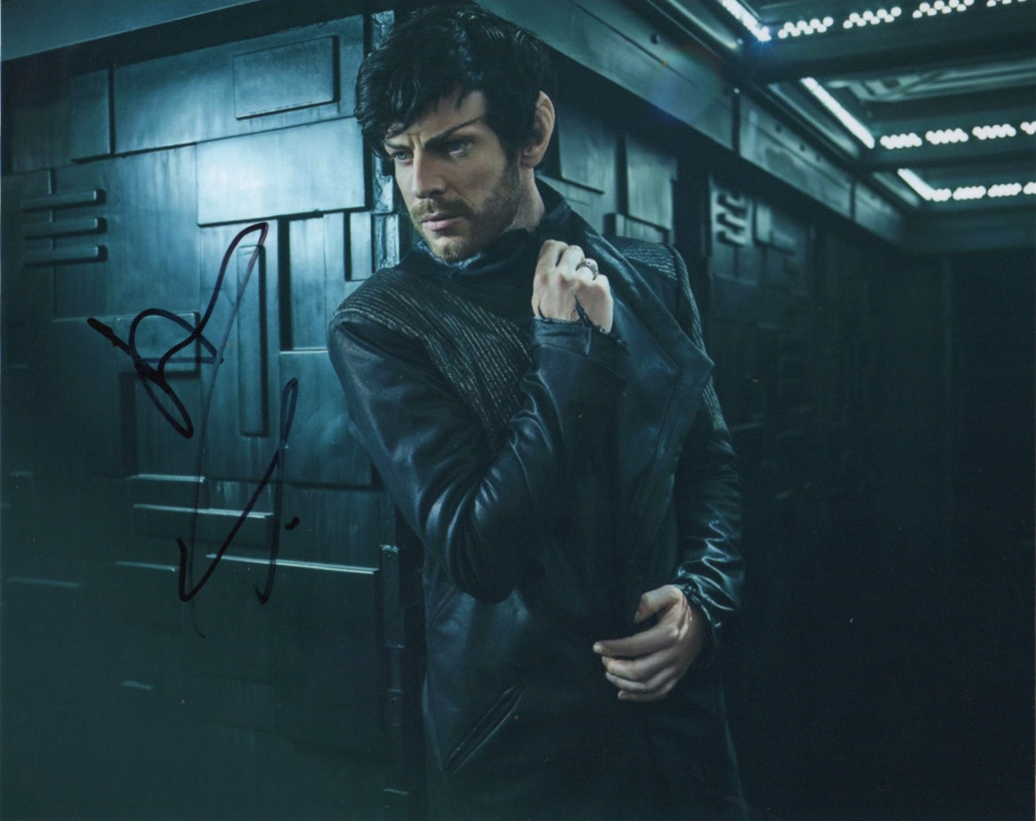 Harry Treadaway Picard Star Trek Signed Autograph 8x10 Photo #3