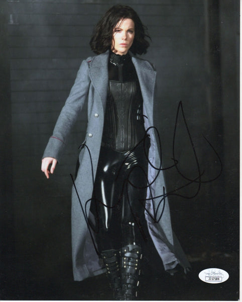 Kate Beckinsale Sexy Signed Autograph 8x10 Photo JSA Authentic #6 - Outlaw Hobbies Authentic Autographs